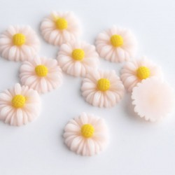 13mm Flower Cabochon - Light Pink