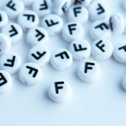 "7mm Acrylic Alphabet Beads - Letter ""F"""