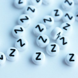 "7mm Acrylic Alphabet Beads - Letter ""Z"""