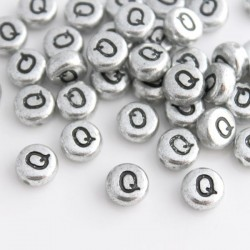 "7mm Silver Acrylic Alphabet Beads - Letter ""Q"""