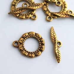 Antique Gold Tone 17mm Flower Toggle Clasp