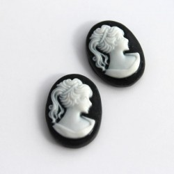 18mm Oval Cameo Cabochon - Black & White
