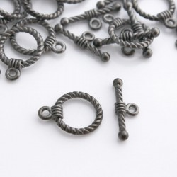 Gunmetal Toggle Clasp - Twist Pattern