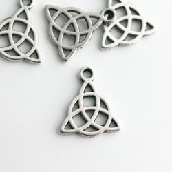 Celtic Triquetra Charm - Antique Silver Tone