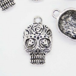 25mm Skull Pendant - Antique Silver Tone - Pack of 1