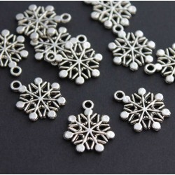 20mm Snowflake Charm - Antique Silver Tone - Pack of 8