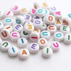 7mm Mixed Colour Acrylic Alphabet Beads - Vowels - Pack of 50