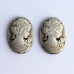 2 Cabochon Cameos - Golden Brown