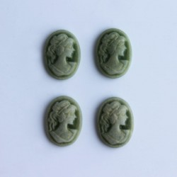 Pack of 4 Cabochon Cameos - Light Green